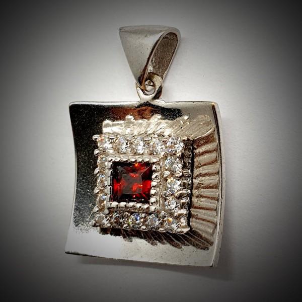 Pandantiv-Aur-Alb-cu-Piatra-Rosie-4