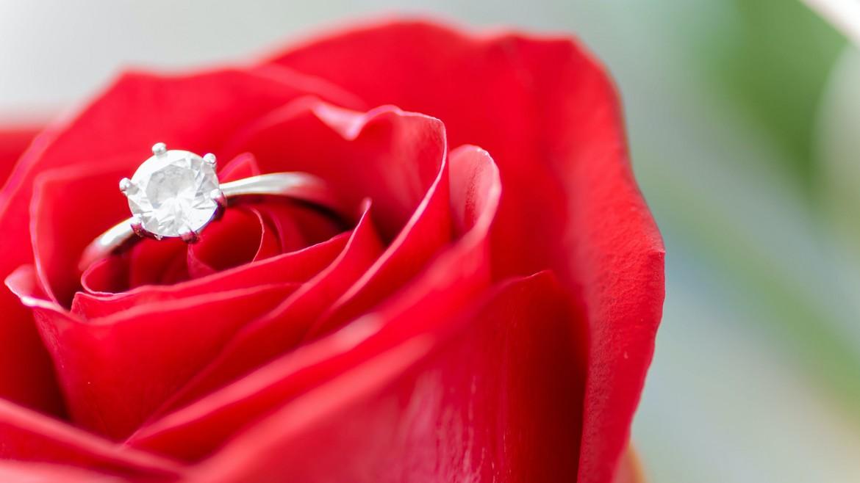 TOP 5 – Metode inedite de a o cere în căsătorie