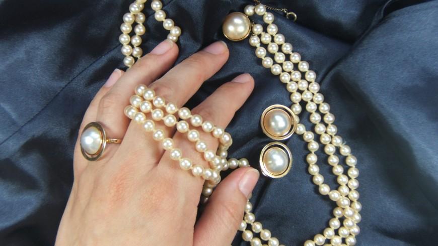 Bijuteriile cu perle, simbol al rafinamentului. Cum faci deosebirea între perlele naturale și cele de cultură