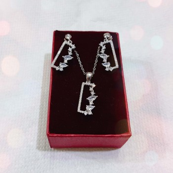 Set-cadou-cercei-argint-si-colier-zirconiu (SA5))